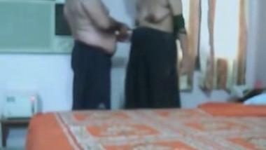 Keralite Woman Fucks her office lover