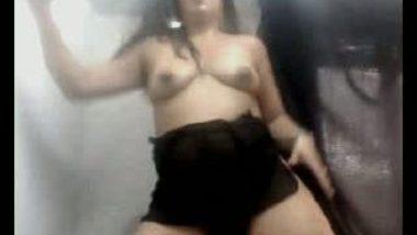 Sona aunty in a horny masturbating mood