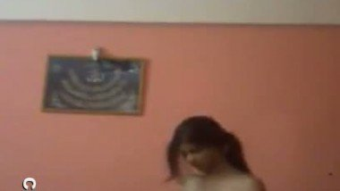 Bhumi exposing her nude figure for her college friend video leaked