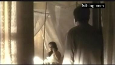 Lesbo Scene Shab-Nandid (Boob Show) – FSIBlog.com