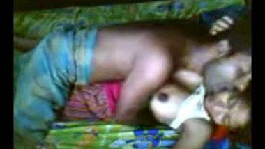Desi village bhabhi hardcore home sex with neighbor