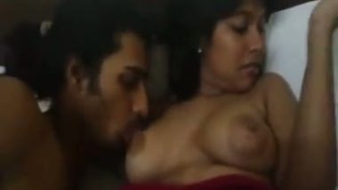 Girlfriend's juicy boobs sucked mms scandals