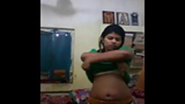 bangla slut chinmoyee masturbates on cam