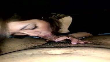UK NRI girl sex video giving perfect blowjob