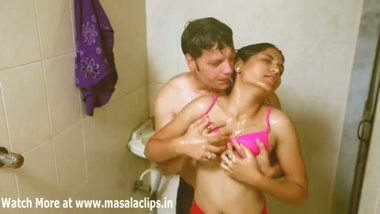 Desi porn video hot girl shower with lover