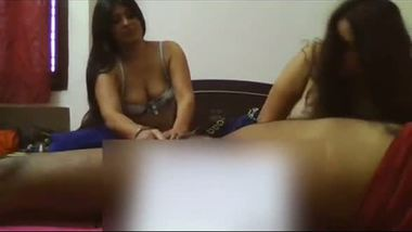 Indian sex video – Two call girls having home sex