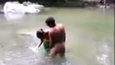 Telugu girl having outdoor village sex