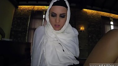 Pinay arab xxx Hungry Woman Gets Food and Fuck