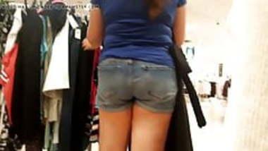 Indian milf shopping