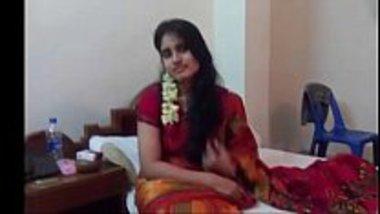 Hot Kerala girl having her suhagrat in a hotel room
