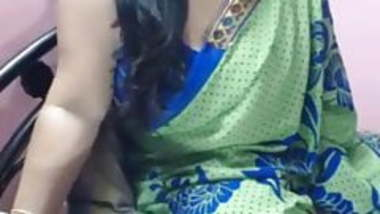 indian bbw aunty nude showing on webcam