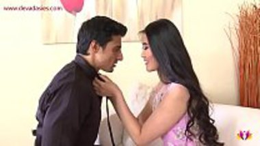 Desi guy having a good time with sexy Filipina girl