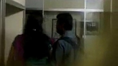 indian student kiss with boyfriend