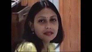 Sexy Marathi girl having sex at a hotel