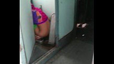Desi Bhabhi Pees In The Train Toilet