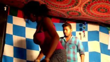 Telugu Hijra Showing Boobs On Stage