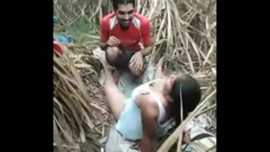Local Desi Randi Having Sex In Jungle With Client