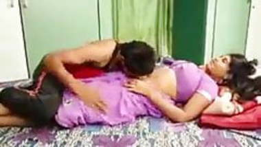 Indian desi bhabhi hot romance with his boy friend