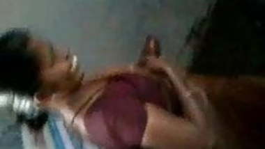 TAMIL MAID SHAKING DICK
