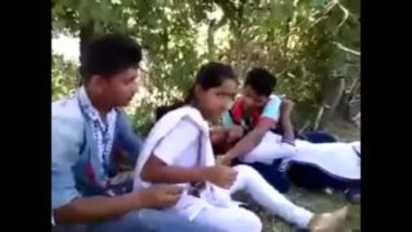 Indian college friends group sex mms in park
