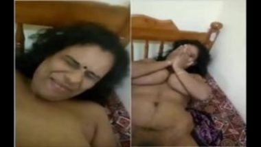 Shy Mature Desi Aunty Covering Big Boobs And Pussy