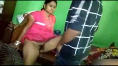Village Bhabhi With Hairy Pussy XXX Video