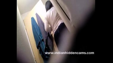 Hot indian girl in bathroom taking shower naked mms