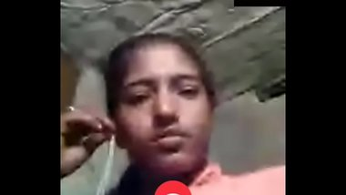 Desi Girl peeing in videocall