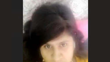 Desi Tamil Girl Showing Boobs on Video Call