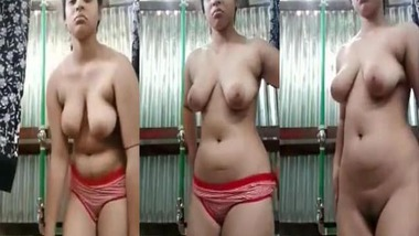 Chubby Bangladeshi girl nude MMS selfie video