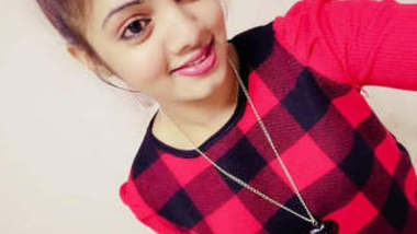 Cutest Sri Lankan Girl Leaked Full Collection – Pics With More than 4 Guys