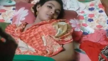 Beautiful Bengali girl exposing her virgin pussy