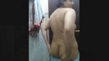 Sexy Desi Girl Showing Her Boobs and Ass