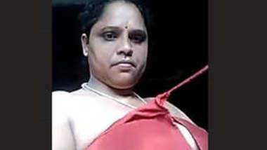 Bhabhi Showing Her Boobs and Pussy