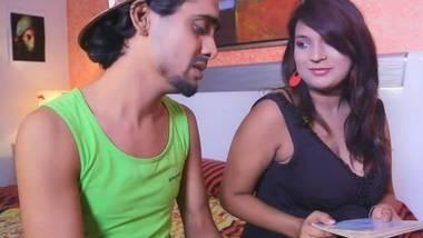 Peeping Tom – Sexy Hindi Movies – Episode 1
