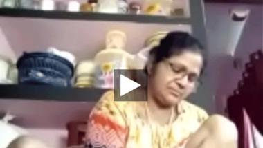 Mature aunty live mature pussy show video