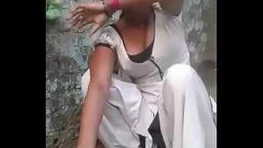 Desi village girl show her big boobs