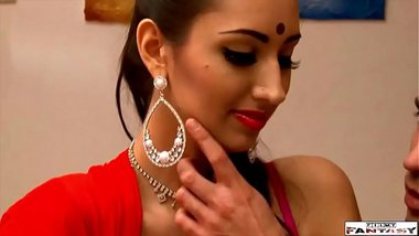 Indian porn videos of a seductive NRI porn star fucking her coworker