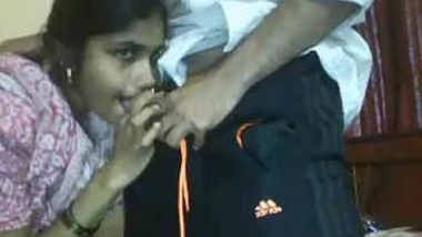 indian newly wed bhabhi sucking her servant dick after lunch