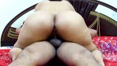 horny big ass saree aunty nude show