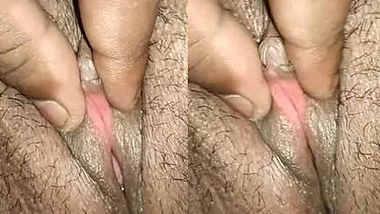 desi wife juicy pussy fingering closeup