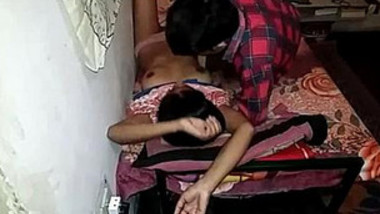 Indian Cpl Romnce and Handjob