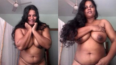 Sexy Mallu Bhabhi Showing Her Big Boobs and Pussy To Lover part 1