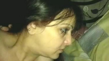 Desi aunty hot sucking