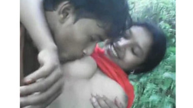 Hot Girl Boobs Exposed And Sucked By Her BF In Forest