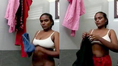 Telugu Aunty Showing her Boobs and Pussy To lover
