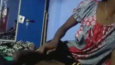 Tamil bhabhi Give Handjob and Bro pressing her boobs