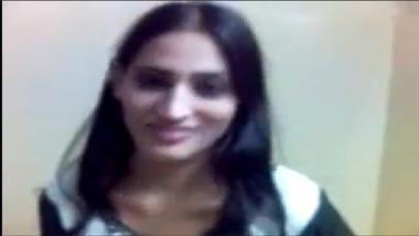 Sexy Paki Bhabhi Porn Video Showing Hot Boobs