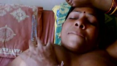 Mature Indian aunty mms sex video leaked online by lover