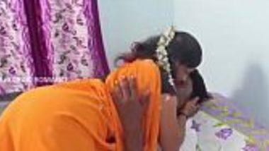 Bhojpuri Indian wife in saree foreplay bf free masala porn
